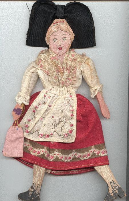 Babette, 1918 - Poupée plate, de bois, en trop bon état en 2008 pour avoir été autre chose qu'un bibelot du souvenir ! souvenir fort !