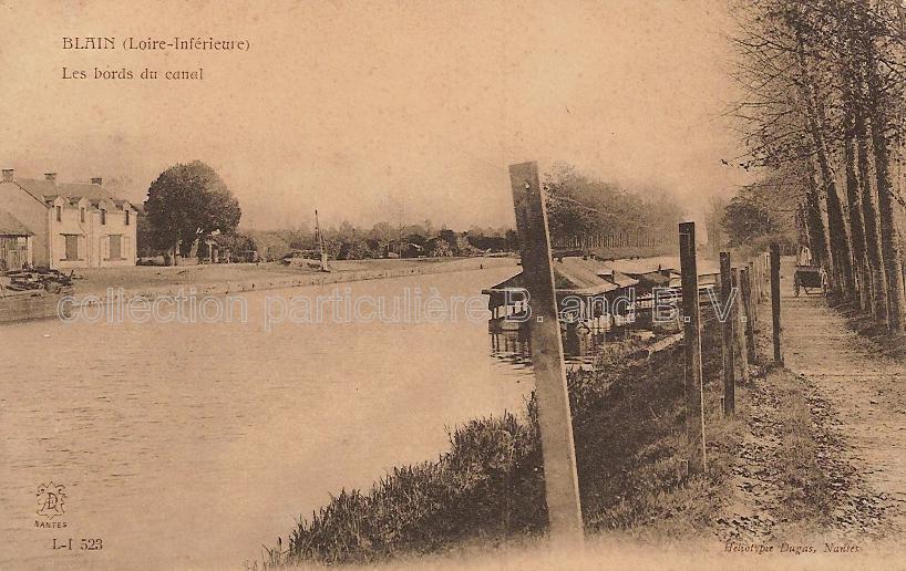 Blain, Loire-Atlantique (on apporte le linge sur la charette à bras)