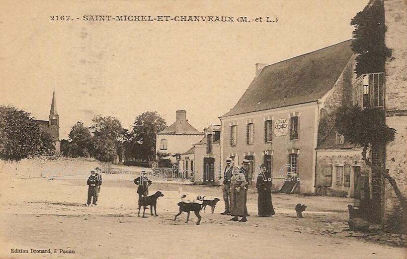 Saint-Michel-et-Chanveaux, collection particulière, reproduction interdite